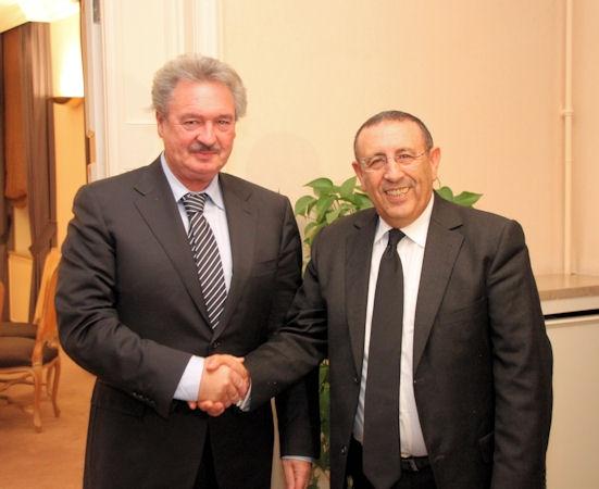 Entretien de M. Amrani avec le Ministre des Affaires étrangères du Luxembourg, Jean Asselborn.