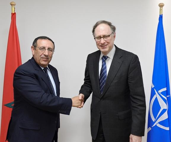 M.Amrani avec le Secrétaire général délégué de l\'OTAN, l\'Ambassadeur Alexander Vershbow.