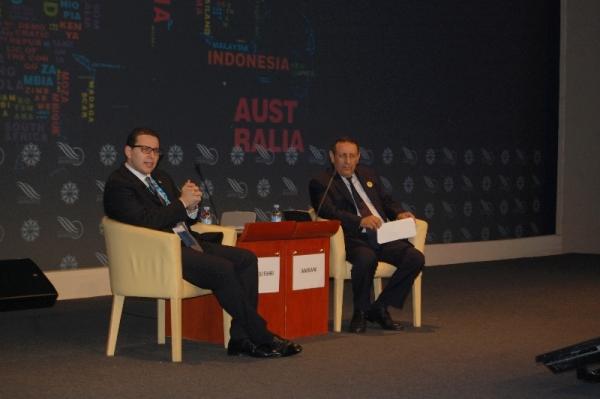 M. Amrani et M. Brahim Fassi Fihri, Président de l\'Institut Amadeus.