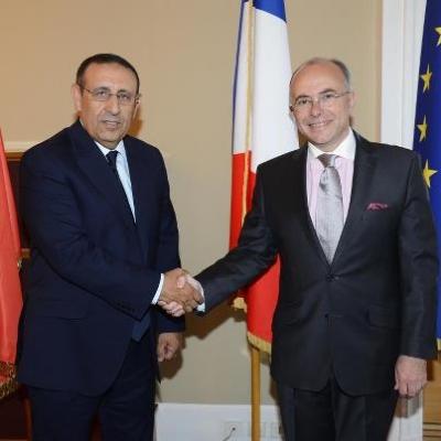 M. Amrani s\'entretient avec le Ministre Délégué Français aux Affaires Européennes, M. Bernard Cazeneuve.