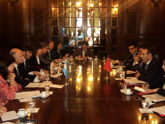 Entretien de Monsieur Amrani avec  le chef de la diplomatie argentine, M. Hector Timerman.