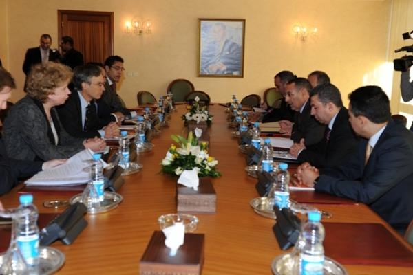 M. Amrani reçoit une délégation de Députés britanniques de l'Union Interparlementaire