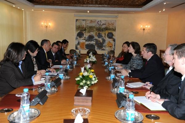 Entretiens de M. Amrani avec la Secrétaire d\'État Adjoint au Département du Commerce américain, Miriam Sapiro.
